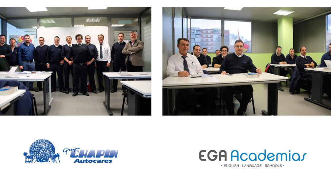 Cursos de inglés para empresas | Profesionales trabajando con profesionales